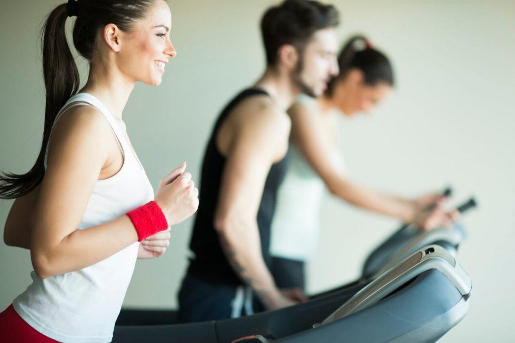 Kardio cvičenie, beh na stroji