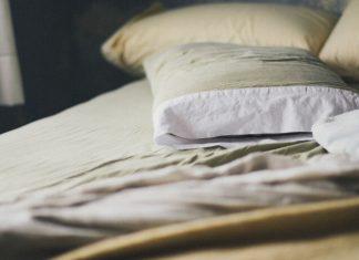 Čo pomáha na pálenie záhy? Kvalitný matrac a vankúš