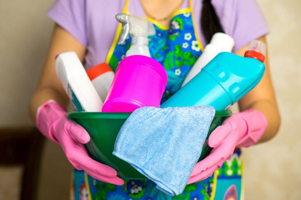 Kontakt s dráždivými látkami (čistiace prostriedky)