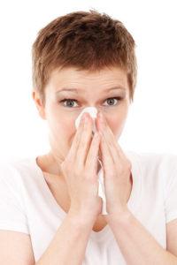 Kýchanie a príznaky podobné alergii