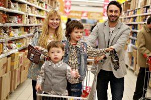 rodina nakupuje