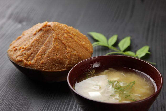 Miso polievka a miso pasta