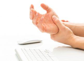 Tŕpnutie rúk a prstov na ruke - možné choroby