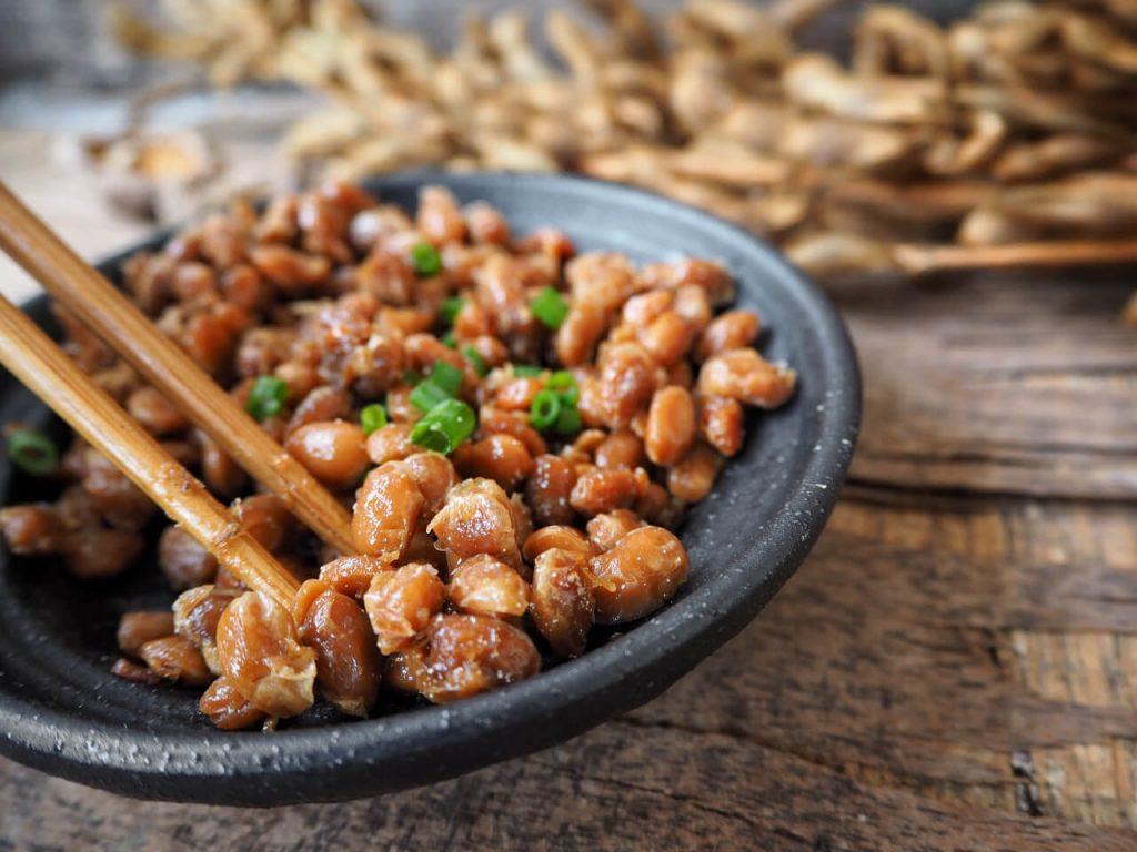 Natto obsahuje enzým nattokináza