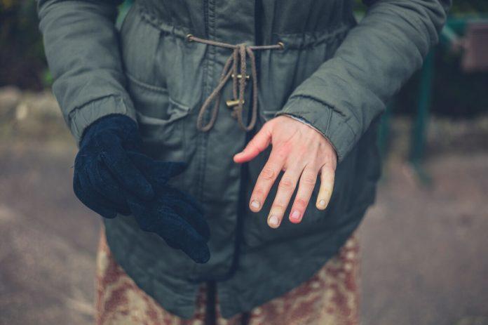 Raynaudov syndróm - studené bielo červené ruky